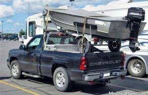 car-photo-2007-chevrolet-silverado-pickup-boat-mounted-on-truck-bed-fail